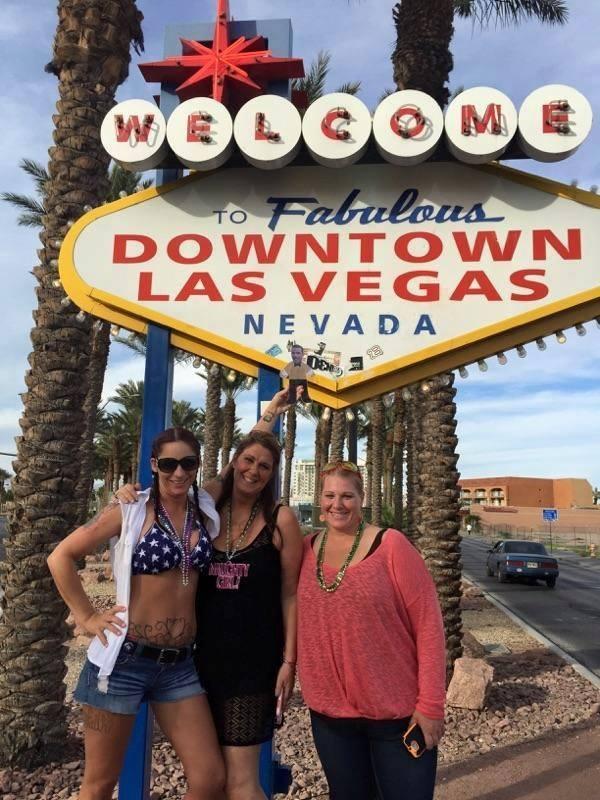 Mini Ben at the Famous Las Vegas sign
